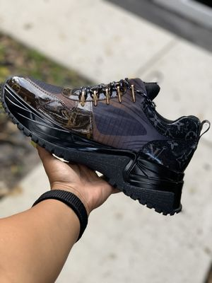 Louis Vuitton sneakers for men for Sale in Hialeah, FL