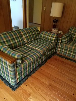Couch, loveseat. Corner table with lamp and side table with lamp for Sale in Bexley, OH
