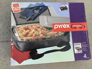 Portable Pyrex casserole dish and cover for Sale in Chino Hills, CA