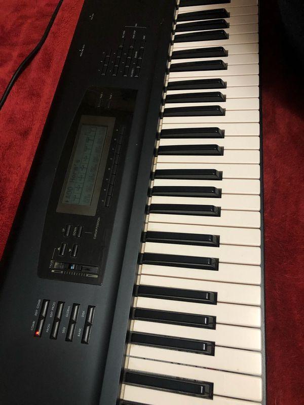Korg 01/W pro music workstation synthesizer