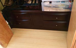 4 drawer set - free for Sale in Berkeley, CA