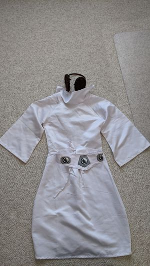 Girl's Princess Leia costume size 7-8 for Sale in Phoenix, AZ