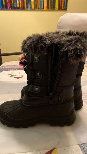 Snow boots for kids size 13 for Sale in Hollywood, FL