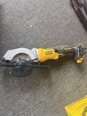 DEWALT ATOMIC 20-Volt MAX Cordless 4-1/2 in. Circular Saw (Tool-Only) for Sale in Anaheim, CA