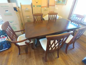 Super Nice Dining Table and Chairs for Sale in Leon, KS