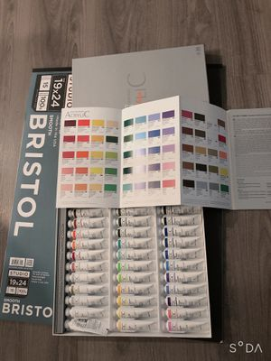 Acrylic paint set 36 professional_ Drawing pad new for Sale in Columbus, OH