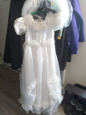 White dress for Sale in Aloha, OR