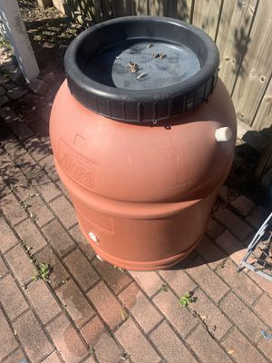 Rain barrel to water plants with rainwater for Sale in Orlando, FL