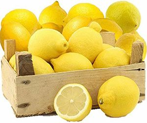 Combination of 30 ORGANIC LEMONS & 30 ORGANIC ORANGES OFFERED: $15 FOR A BOX WILL DELIVER IN Modesto area.... for Sale in Modesto, CA