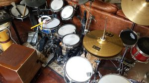 Drums electric rolland ans pearl drum set for Sale in Penn Valley, PA