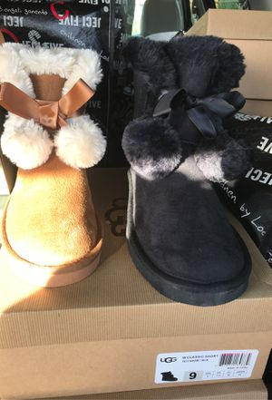 Royalty Presents women ugg boots, Sweatsuit men Timberland boots etc. for Sale in Forest Heights, MD