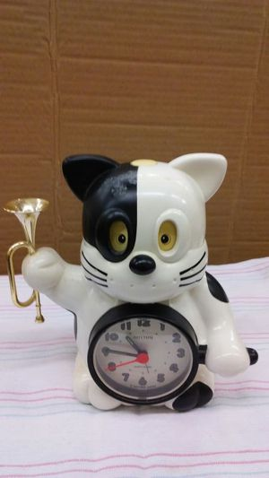 Vintage alarm. Cat clock for Sale in Trinity, NC
