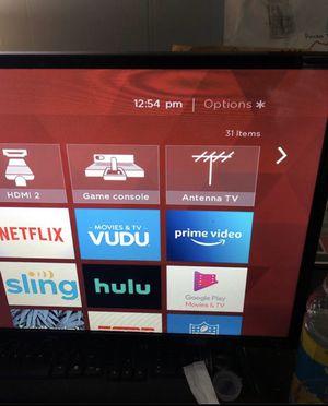 Roku Smart Tv 32 Inch for Sale in Detroit, MI