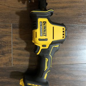 DEWALT ATOMIC 20-Volt MAX Brushless Compact Reciprocating Saw (Tool-Only) for Sale in Damascus, OR