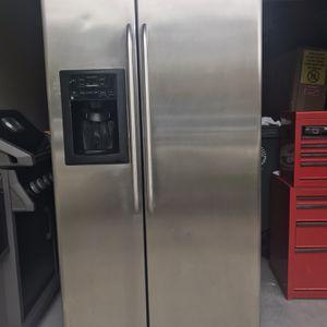 GE French Door Refrigerator for Sale in Jacksonville, FL