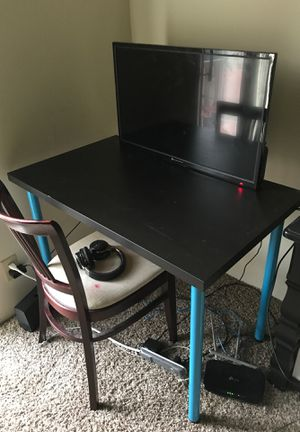 Gaming desk for Sale in Evansville, IN