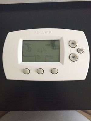 Honeywell Thermostat for Sale in Haymarket, VA