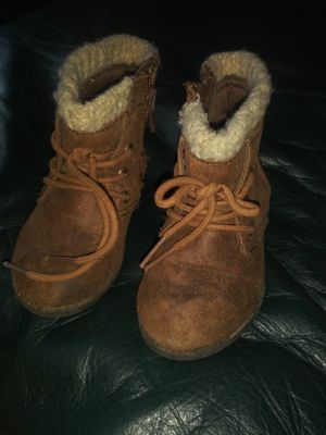 Girls sz 6 boots for Sale in Tulsa, OK