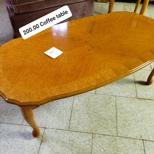 Coffee table with matching end tables, arm chair for Sale in Marietta, SC