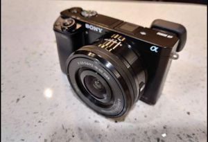 Sony A6000 w Kit lens for Sale in San Jose, CA