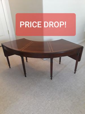 """VINTAGE DROP LEAF MAHOGANY OCCASIONAL TABLE (18"""" high) for Sale in Las Vegas, NV"""
