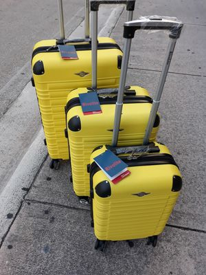 """Travel luggage set new TSA lock top quality hard case Polycarbonate 4 wheels Spinner extendable waterproof. 20"""" 26"""" 30"""" for Sale in Miami, FL"""