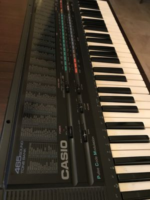Casio Electronic Musical Keyboard - Casio 465 sound tone bank for Sale in Orlando, FL