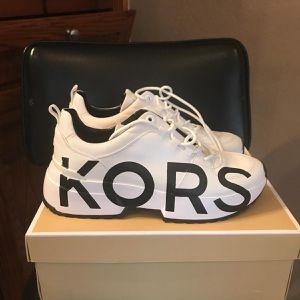 Michael Kors Cosmo Ladies Sneakers New Size 9 for Sale in Harker Heights, TX