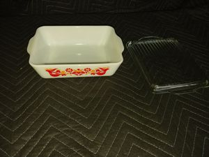 vintage pyrex friendship 1.5 qt refrigerator dish with lid for Sale in Pomona, CA