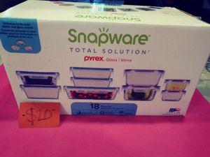 Pyrex snapware for Sale in Las Vegas, NV