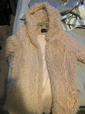 Faux fur coat for Sale in Bell, CA