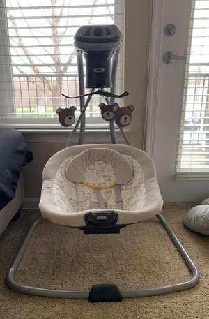 Graco Simple Sway LX Multi-Direction Swing in Teddy for Sale in Rockville, MD
