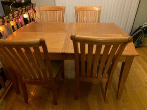 Dining room set kitchen table 6 chairs for Sale in Federal Way, WA