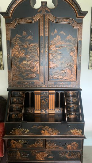 Rare vintage Chinese desk for Sale in New Port Richey, FL