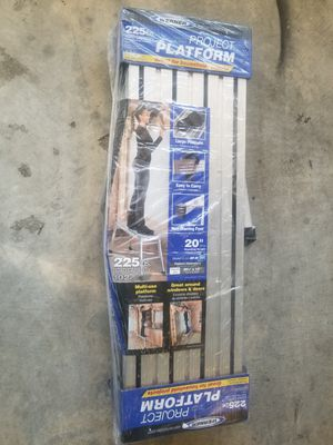 Small bench ladder for Sale in Upper Marlboro, MD