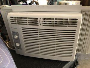 Frigidaire basic window AC small room air conditioner 150sqft 5000BTU for Sale in McLean, VA