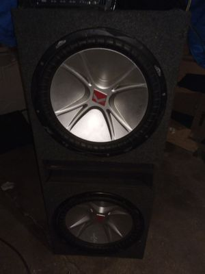 2 cvr 15s and kicker zx1500.1 for Sale in Chicago, IL