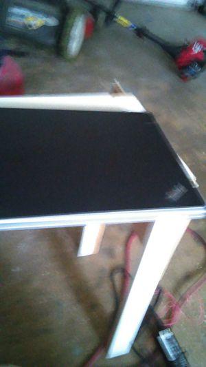 Vendo laptop window 7 levano tiene quemador de discos y para memorias..pido $350 for Sale in Nashville, TN