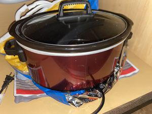 Crock pot with box for Sale in Pflugerville, TX