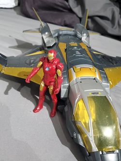 Avengers Quinjet With 4 Inch Ironman Figure for Sale in Aberdeen,  WA