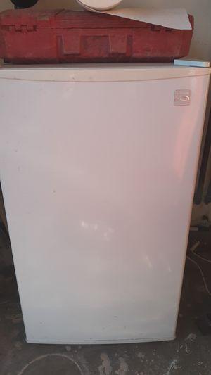 Mini fridge for Sale in Manteca, CA