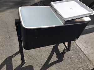 Back yard cooler/ ice box 30$ pick up only for Sale in Huntington Beach, CA