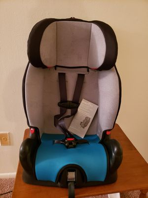 evenflo children's car seat for Sale in Harrisburg, PA