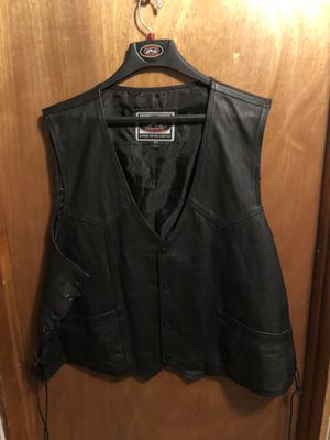 MOTORCYCLE LEATHER VEST (64) for Sale in Chicago, IL