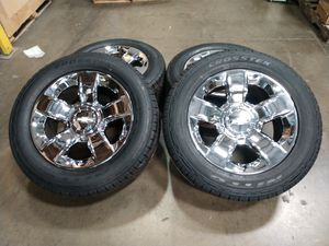 """Chevy Silverado ltz OEM wheels and new tires 20"""" 6x139.7 for Sale in Chino, CA"""