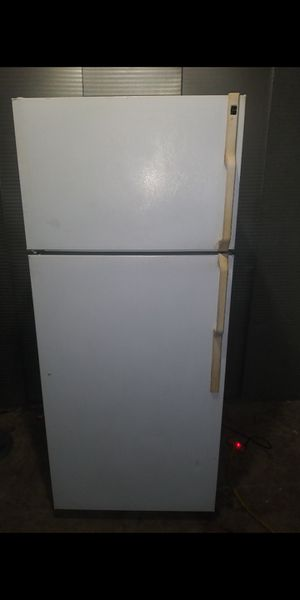 """Hotpoint white apartment Size refrigerator(aparment (size: 28 w by 29"""" 3/4 d by 66""""3/4 h (can deliver and install for free#-..'&##_ for Sale in Claremont, CA"""