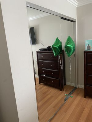 Mirror sliding closet doors 6'5 tall 2 sets! for Sale in Tijuana, MX