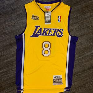 Jersey of Lakers #8 Bryant for Sale in Los Angeles, CA