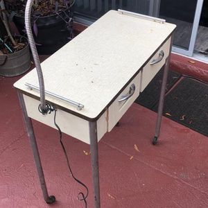 Vintage Manicure Desk With Light And Wheels for Sale in Lutz, FL