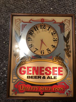 Vintage Genesee illuminated mirrored clock for Sale in Wilkes-Barre Township, PA
